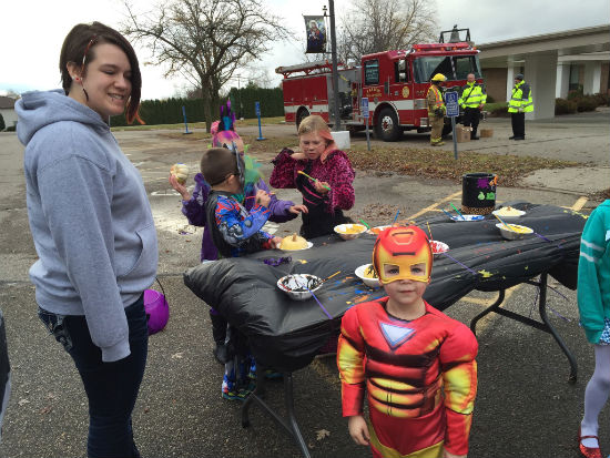 15TrunkOrTreat-superhero